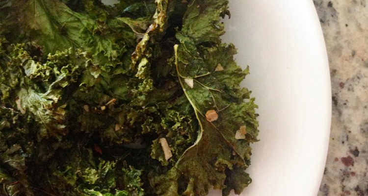 Garlic Onion Kale Chips