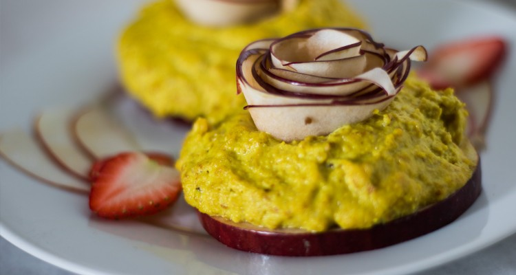 raw ginger and turmeric apple roses