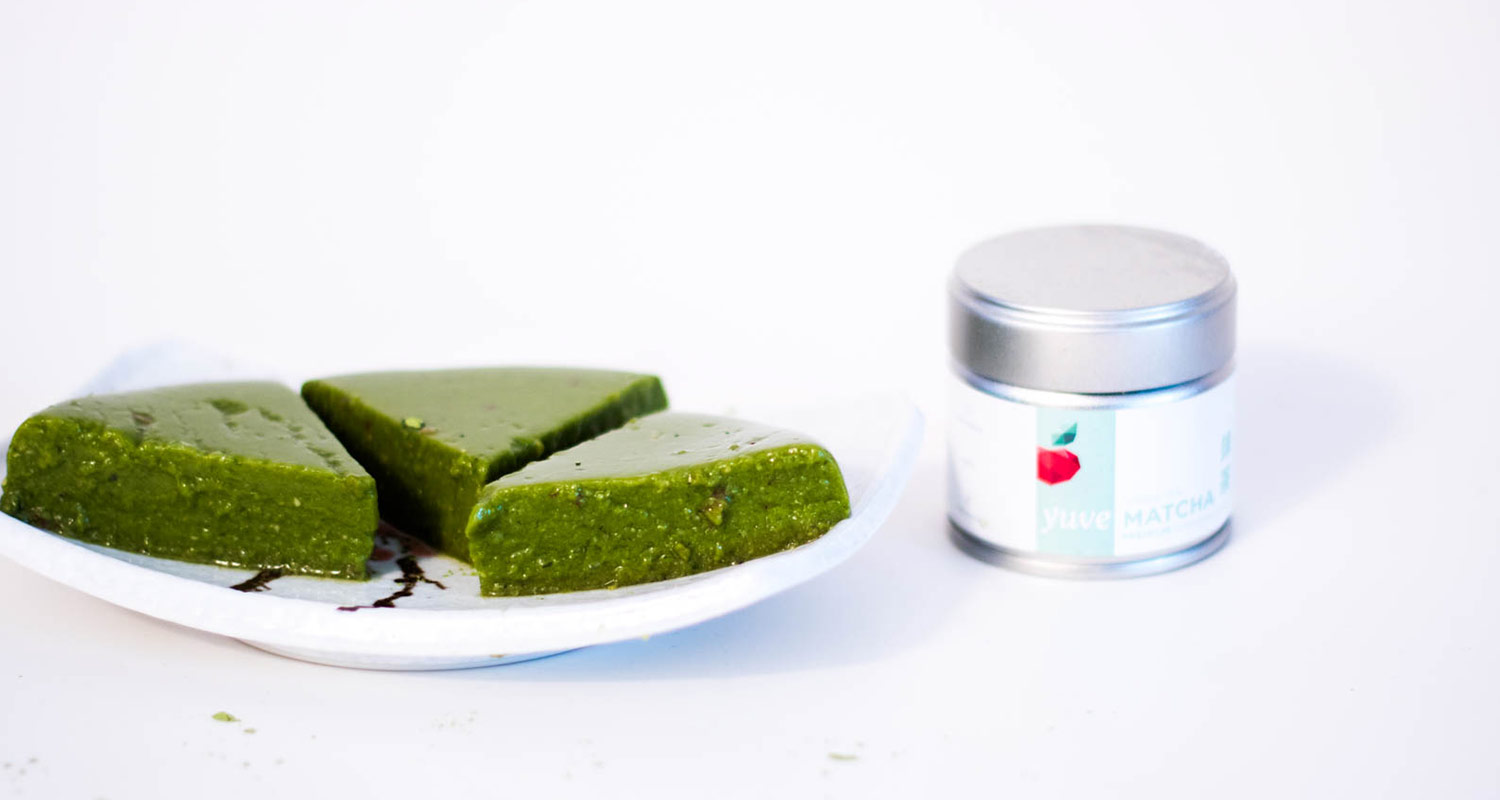 Raw Matcha Smoothie Cake