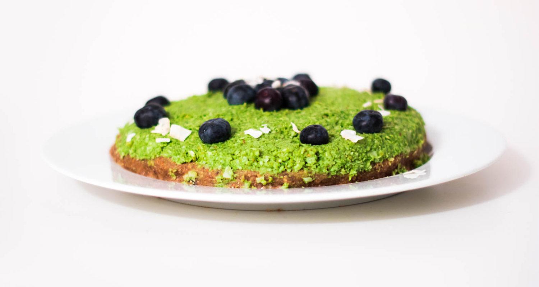 Raw Matcha Cake with Blueberries