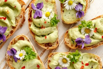 canapes with avocado pesto sauce